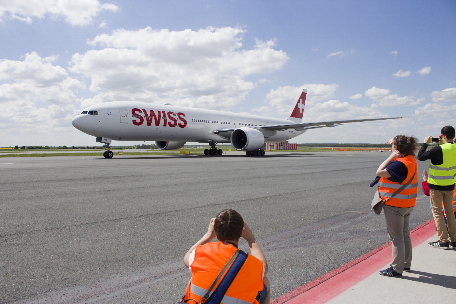 swiss boeing 777 prague